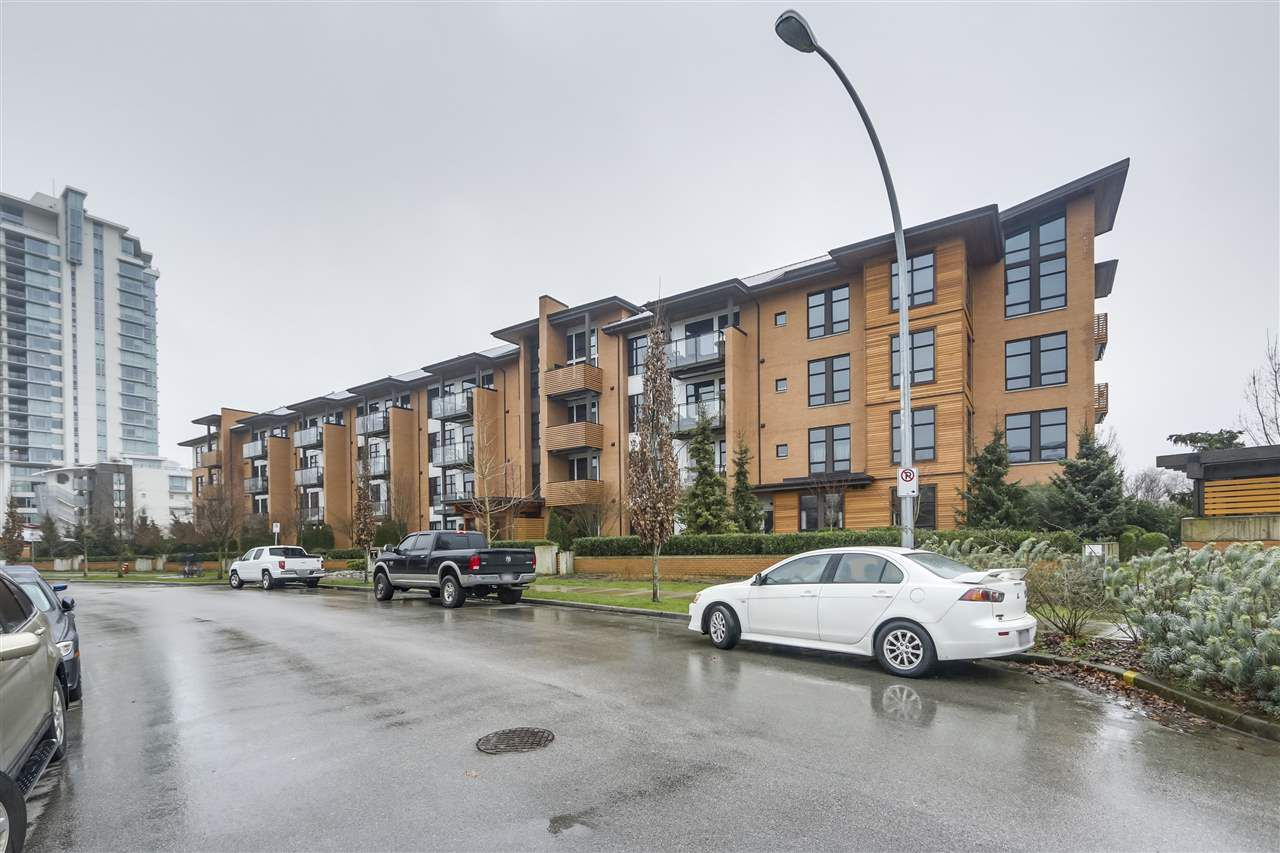 "Main Photo: 203 220 SALTER Street in New Westminster: Queensborough Condo for sale in ""Glasshouse Lofts"" : MLS®# R2332600"