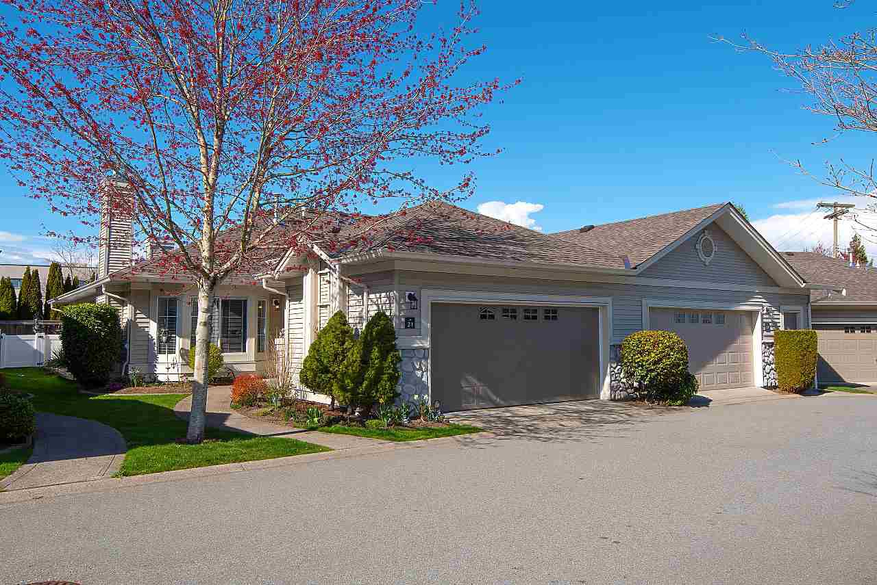 "Main Photo: 21 16888 80 Avenue in Surrey: Fleetwood Tynehead Townhouse for sale in ""STONECROFT"" : MLS®# R2352250"