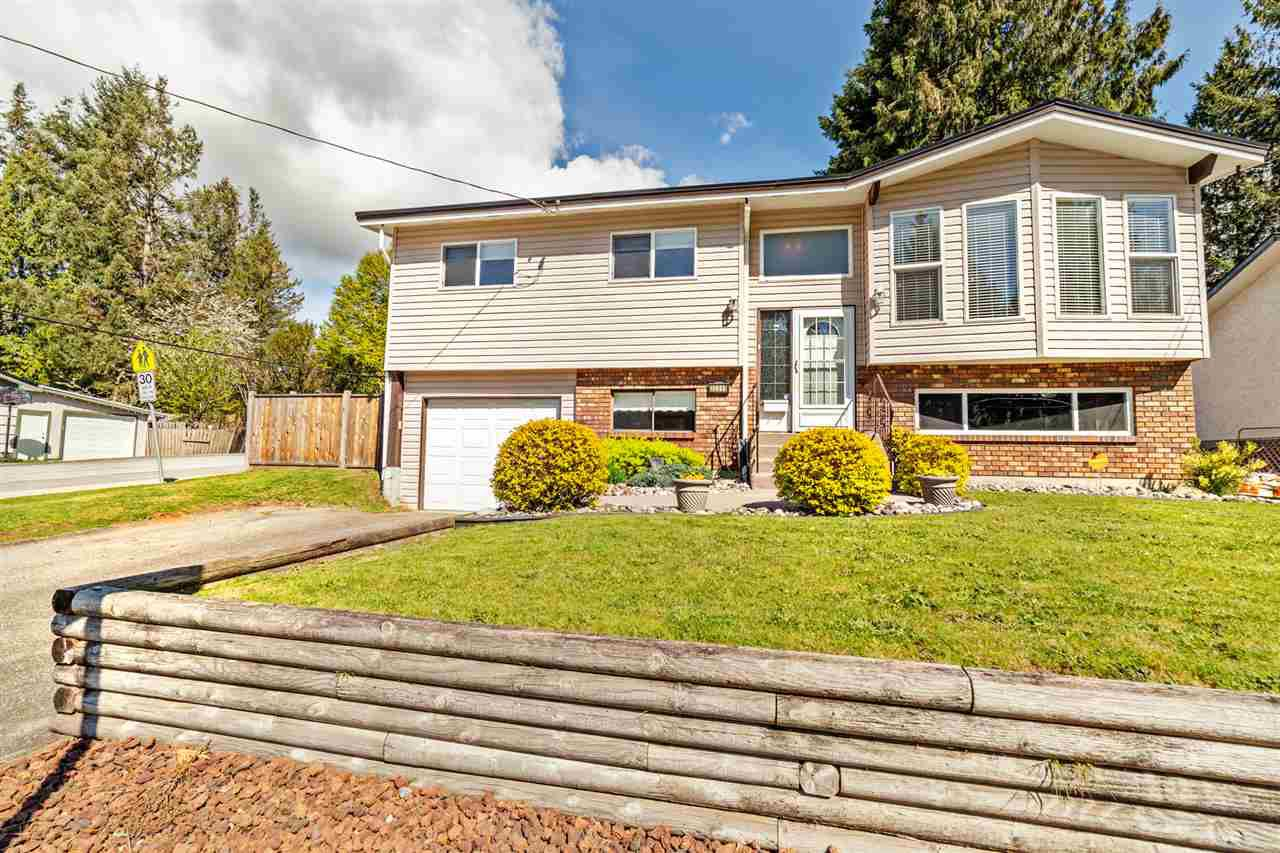 Main Photo: 32555 MCRAE Avenue in Mission: Mission BC House for sale : MLS®# R2360521