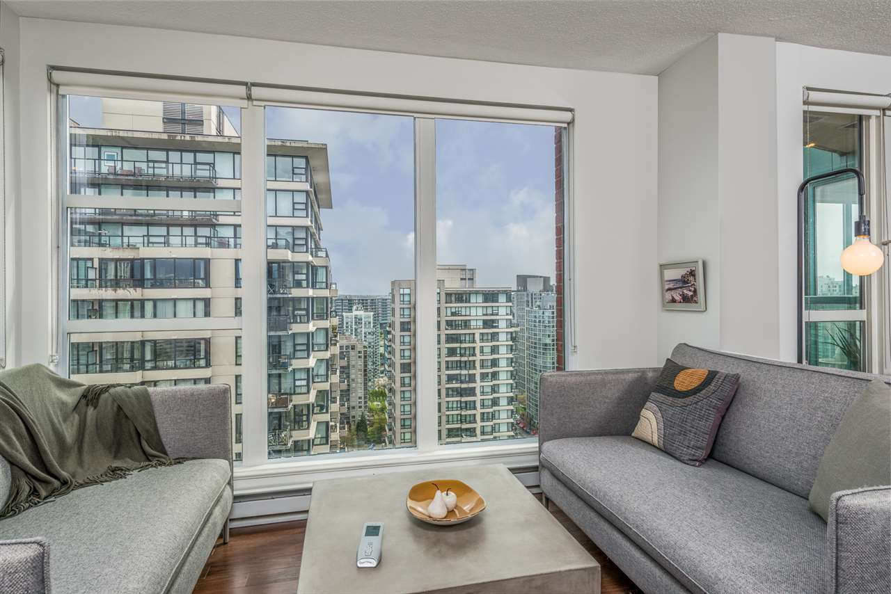 "Main Photo: 3104 939 HOMER Street in Vancouver: Yaletown Condo for sale in ""The Pinnacle"" (Vancouver West)  : MLS®# R2363870"