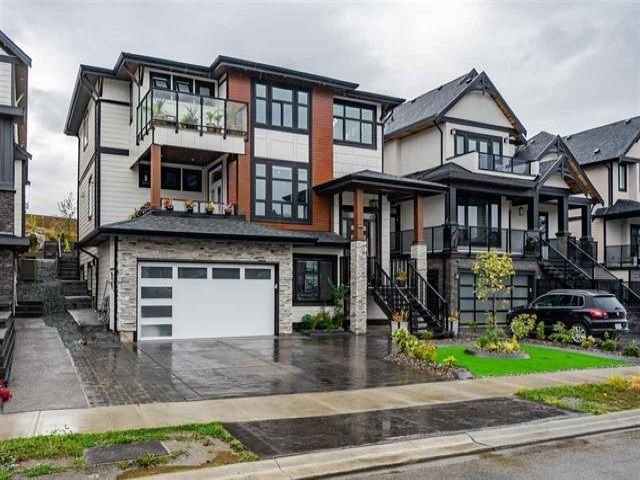 Main Photo: 31076 FIRHILL Drive in Abbotsford: Abbotsford West House for sale : MLS®# R2364494