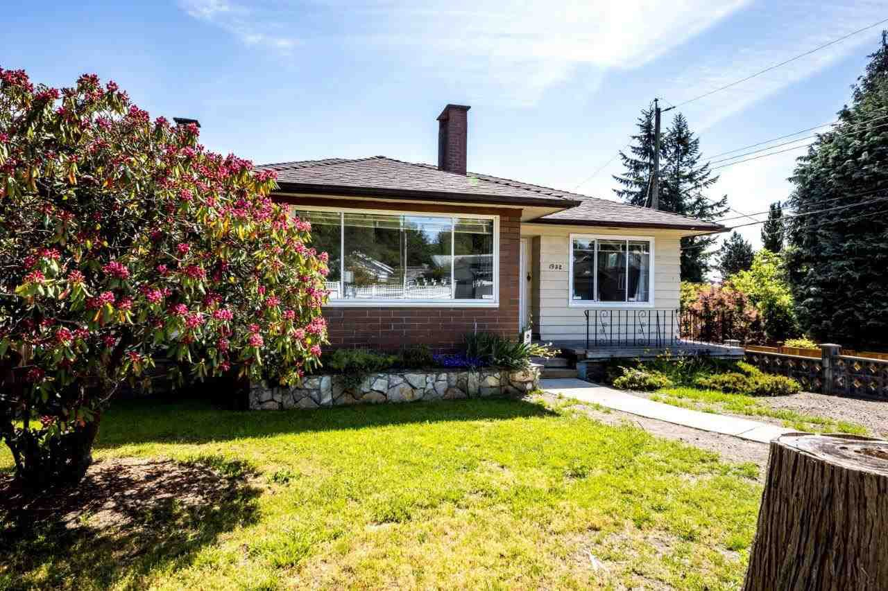 """Main Photo: 1932 QUEENSBURY Avenue in North Vancouver: Boulevard House for sale in """"GRAND BOULEVARD"""" : MLS®# R2376662"""