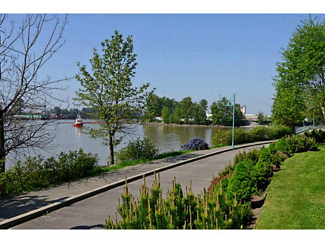 "Main Photo: 308 2080 E KENT Avenue in Vancouver: Fraserview VE Condo for sale in ""TUGBOAT LANDING"" (Vancouver East)"