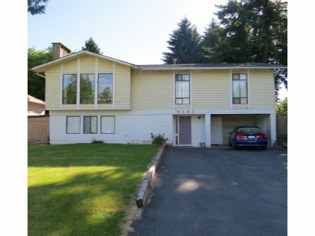Main Photo: 9191 PRINCE CHARLES Boulevard in Surrey: Queen Mary Park Surrey House for sale : MLS®# F1406367