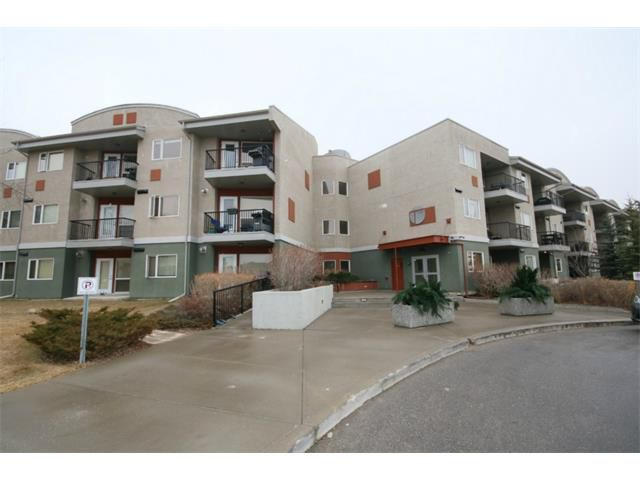 Main Photo: 223 69 SPRINGBOROUGH Court SW in Calgary: Springbank Hill Condo for sale : MLS®# C4002803