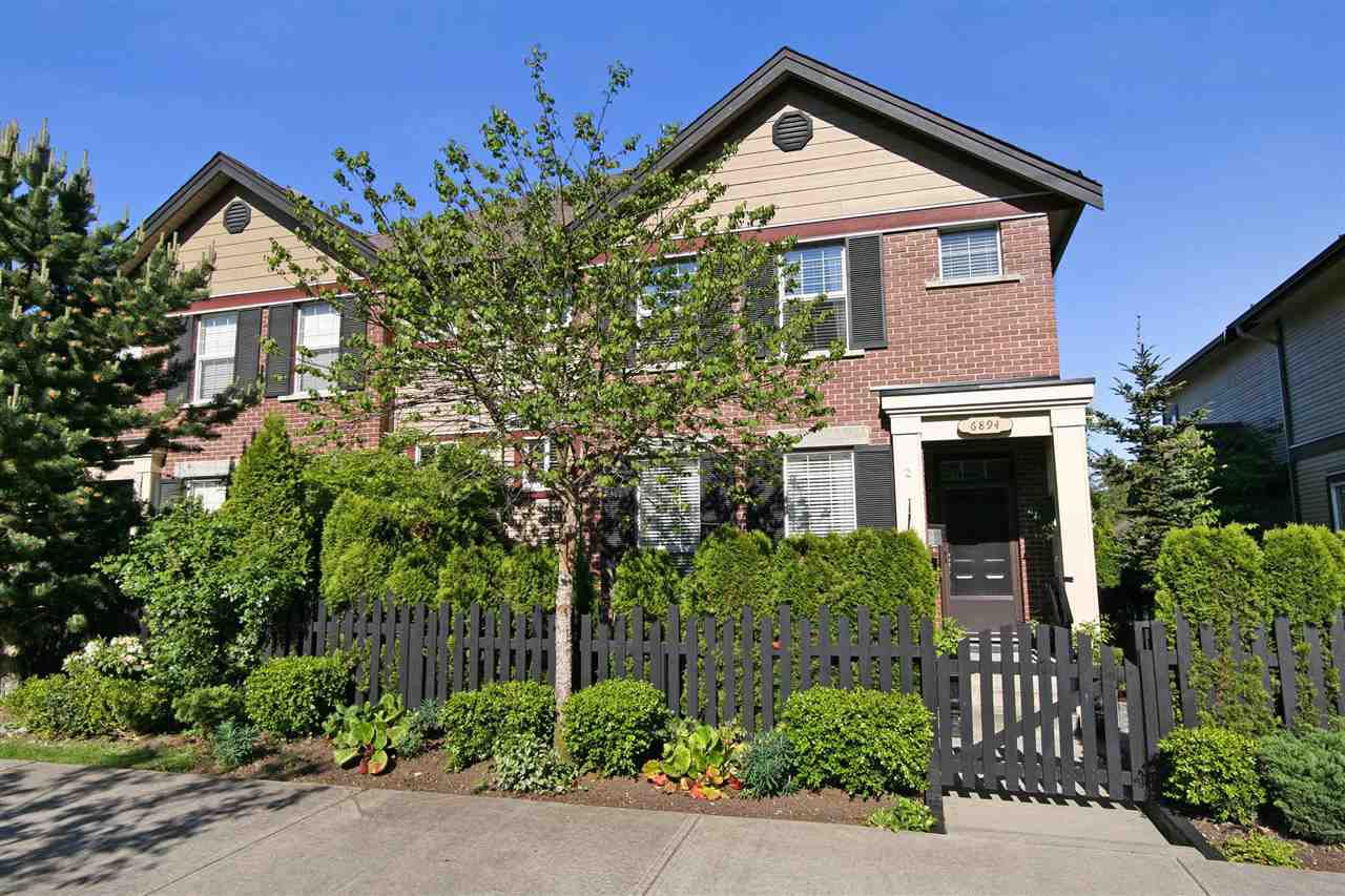 """Main Photo: 2 6894 208 Street in Langley: Willoughby Heights Townhouse for sale in """"VESTA MANOR"""" : MLS®# R2179936"""