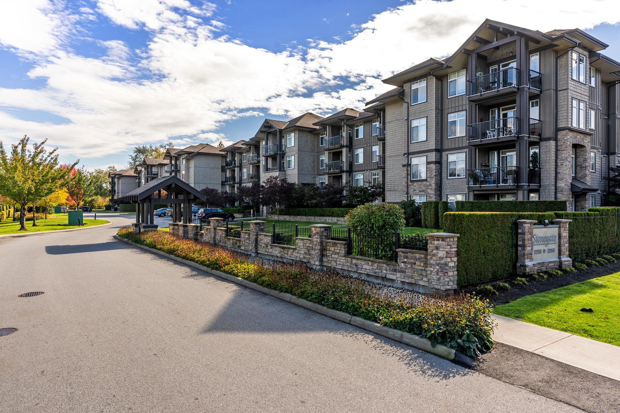 "Main Photo: 122 12258 224 Street in Maple Ridge: East Central Condo for sale in ""STONEGATE"" : MLS®# R2314416"