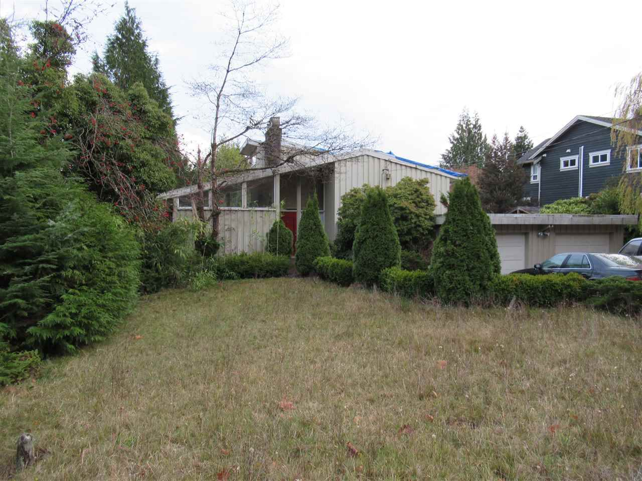 Main Photo: 72 GLENMORE Drive in West Vancouver: Glenmore House for sale : MLS®# R2327224