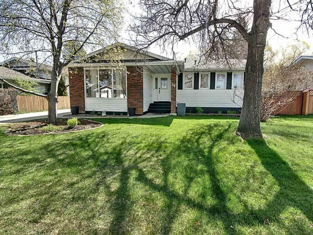 Main Photo: 30 Windermere Drive: Spruce Grove House for sale : MLS®# E4156876