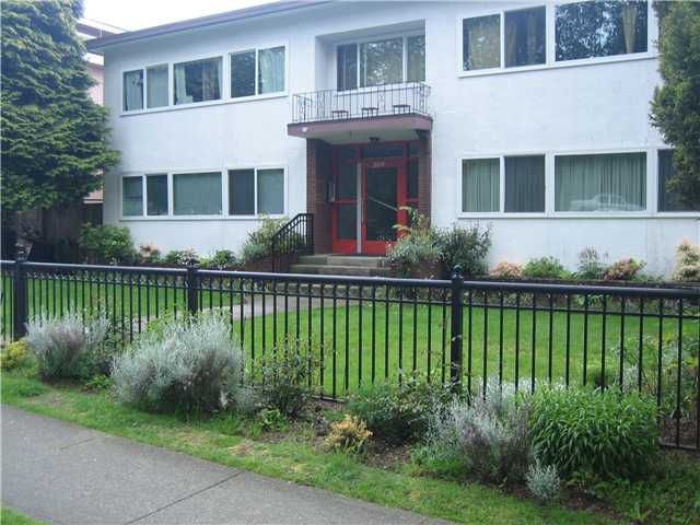 Main Photo: 3 369 W 4TH Street in North Vancouver: Lower Lonsdale Condo for sale : MLS®# V891065