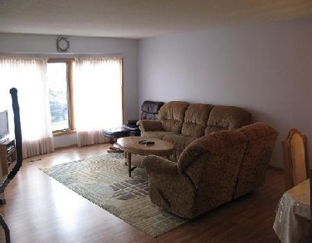 Photo 2: Photos: 27 DEERING CL in WINNIPEG: Residential for sale (Valley Gardens)  : MLS®# 2919201