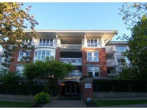 Main Photo: 311 1868 W 5th Avenue in Vancouver: Kitsilano Condo for sale (Vancouver West)  : MLS®# V829025