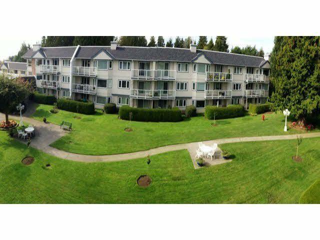 "Main Photo: 206 13965 16TH Avenue in Surrey: Sunnyside Park Surrey Condo for sale in ""WHITE ROCK VILLAGE"" (South Surrey White Rock)  : MLS®# F1438127"