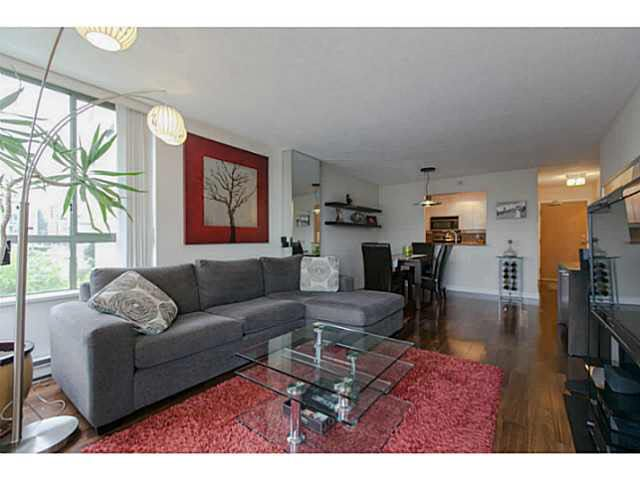 "Main Photo: 705 2288 PINE Street in Vancouver: Fairview VW Condo for sale in ""THE FAIRVIEW"" (Vancouver West)  : MLS®# V1142280"