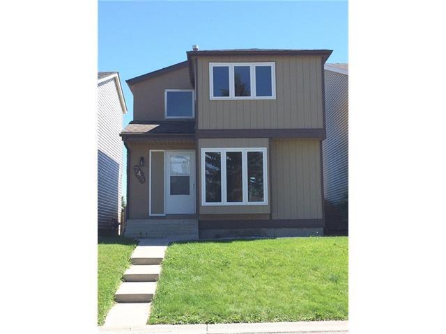 Main Photo: 745 ABOYNE Way NE in Calgary: Abbeydale House for sale : MLS®# C4072621
