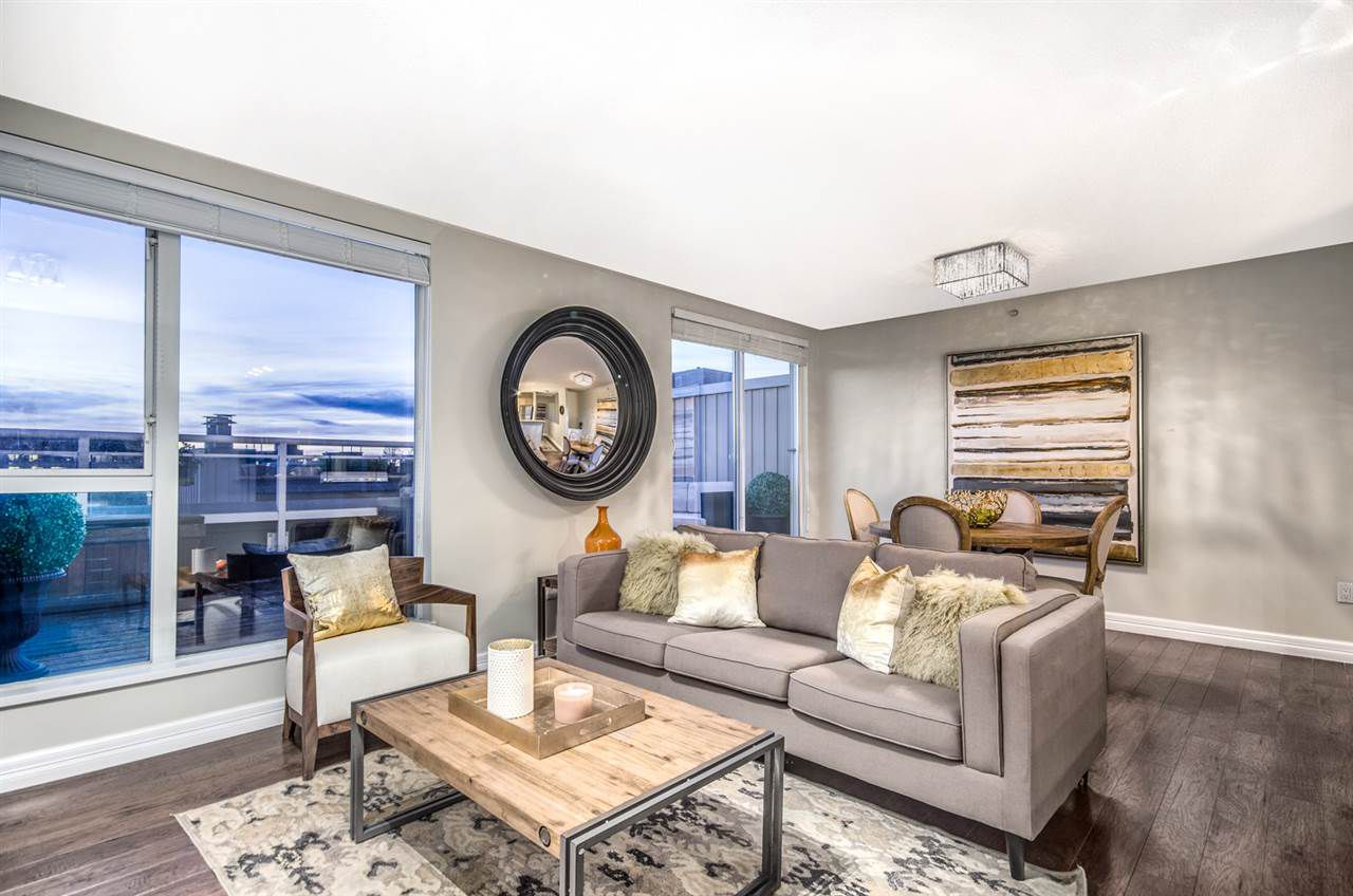 """Main Photo: 402 2768 CRANBERRY Drive in Vancouver: Kitsilano Condo for sale in """"Zydeco"""" (Vancouver West)  : MLS®# R2140838"""