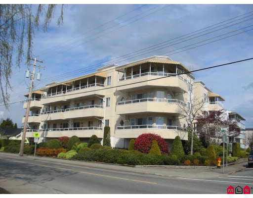 """Main Photo: 204 46005 BOLE Avenue in Chilliwack: Chilliwack N Yale-Well Condo for sale in """"CLASSIC MANOR"""" : MLS®# R2184485"""