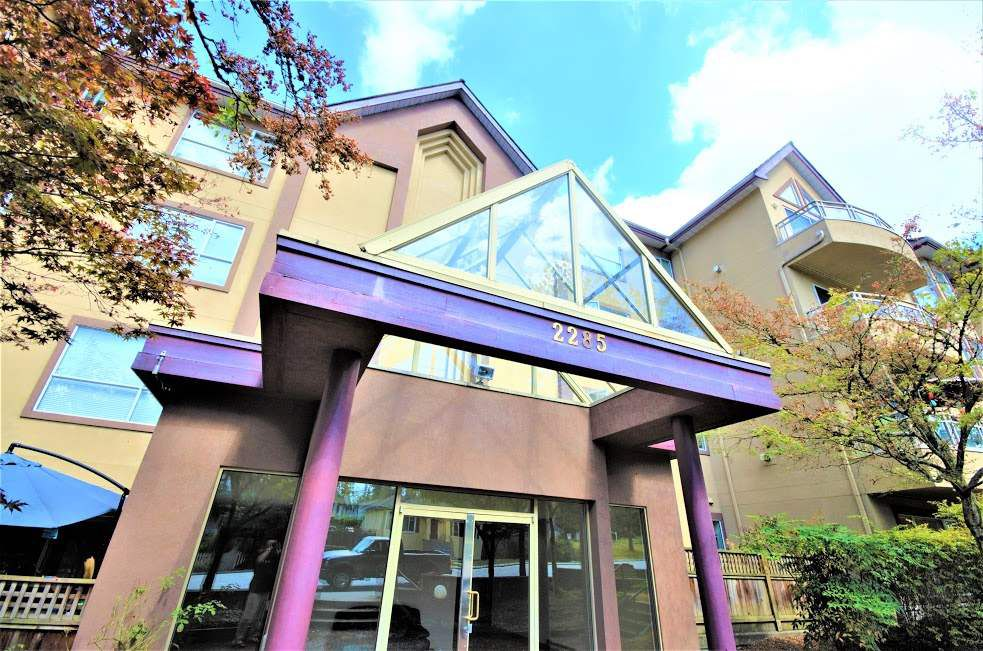 "Main Photo: 102 2285 PITT RIVER Road in Port Coquitlam: Central Pt Coquitlam Condo for sale in ""SHAUGHNESSY MANOR"" : MLS®# R2199663"