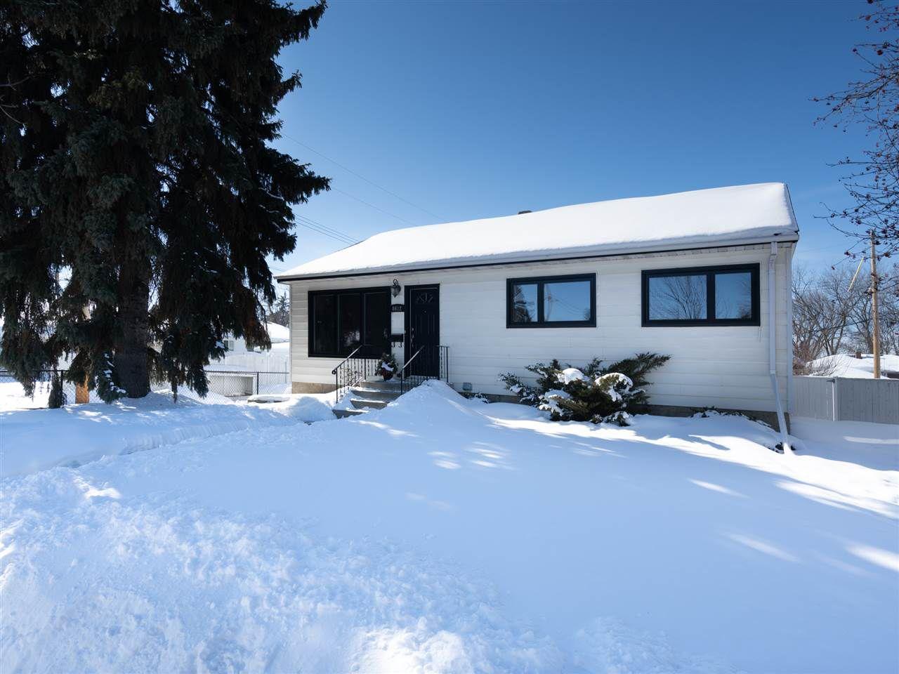 Main Photo: 8612 79 Street in Edmonton: Zone 18 House for sale : MLS®# E4147198