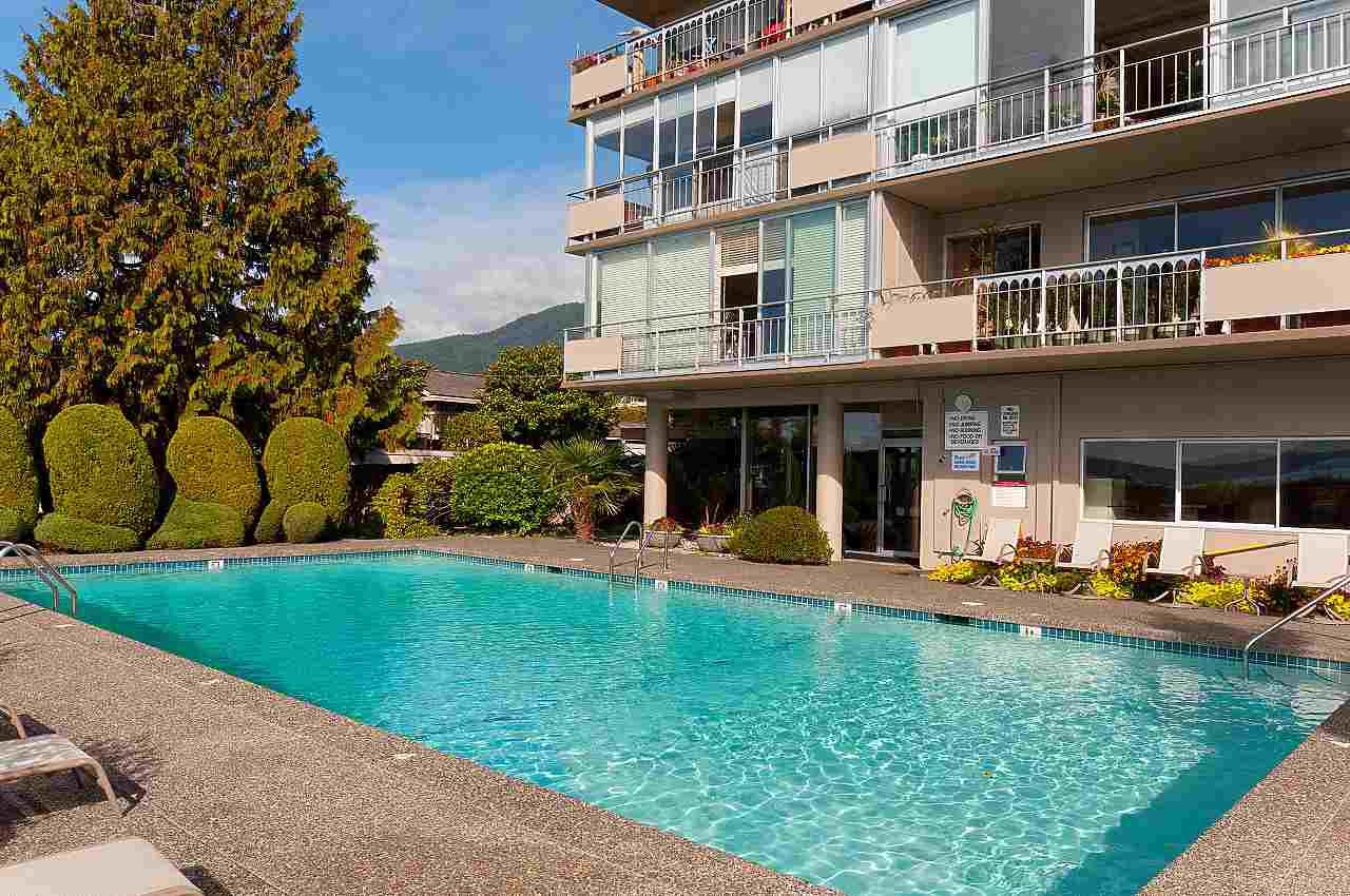 "Main Photo: 808 150 24 Street in West Vancouver: Dundarave Condo for sale in ""Seastrand"" : MLS®# R2359015"
