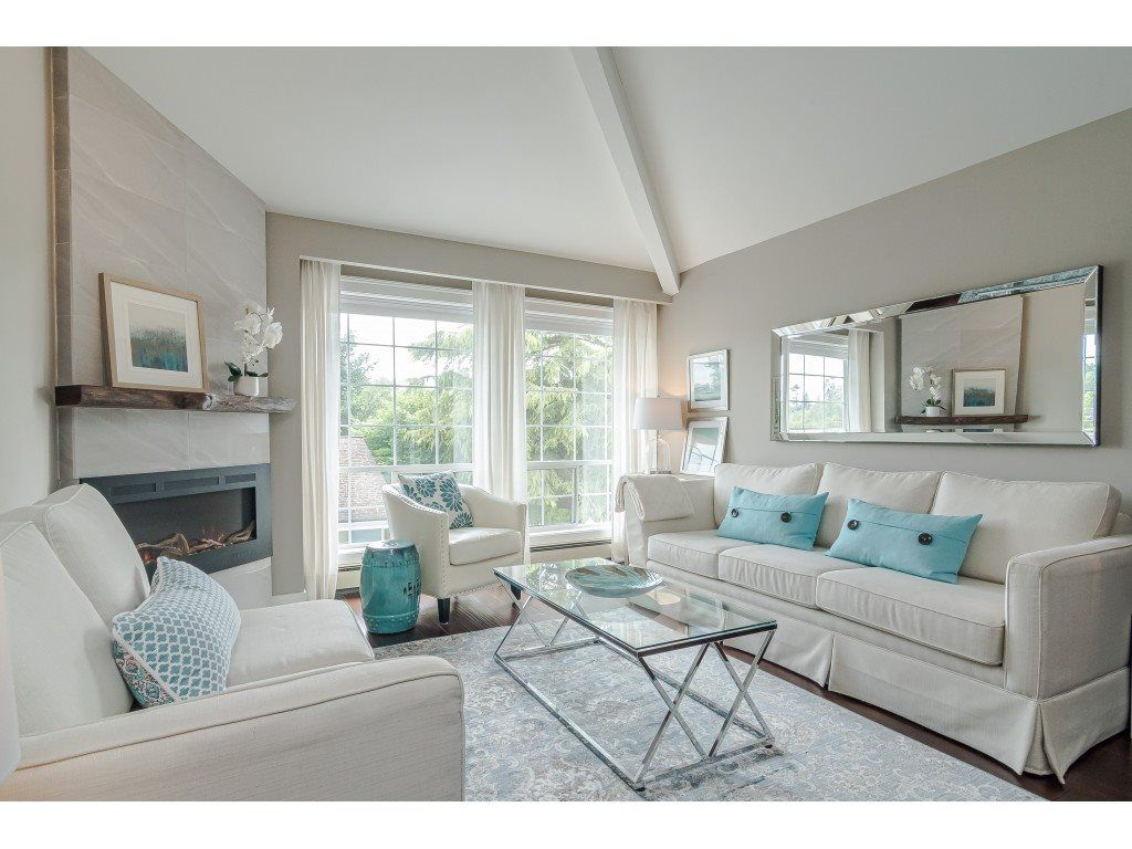 """Main Photo: 10 5216 201A Street in Langley: Langley City Townhouse for sale in """"Meadowview Estates"""" : MLS®# R2375150"""