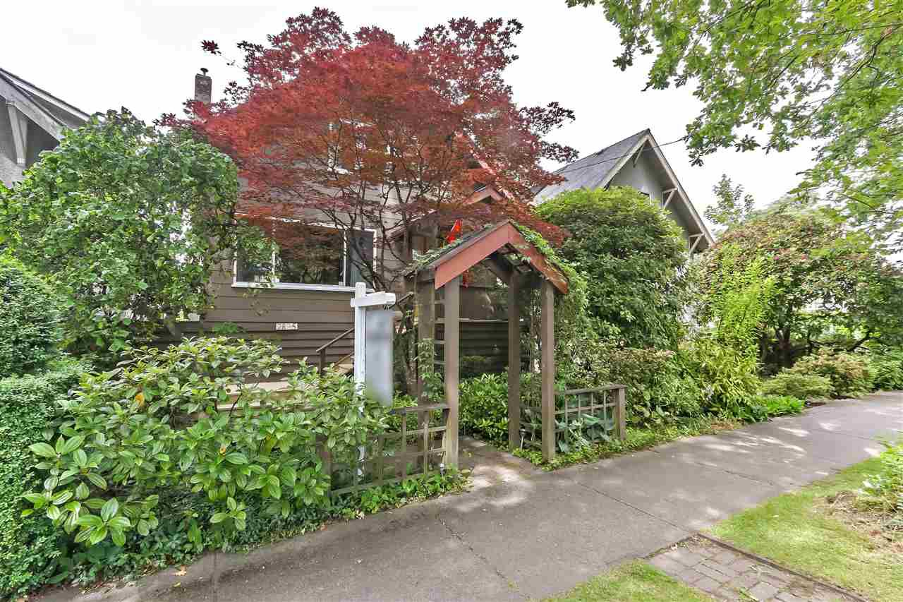 Main Photo: 2835 STEPHENS Street in Vancouver: Kitsilano House for sale (Vancouver West)  : MLS®# R2376938