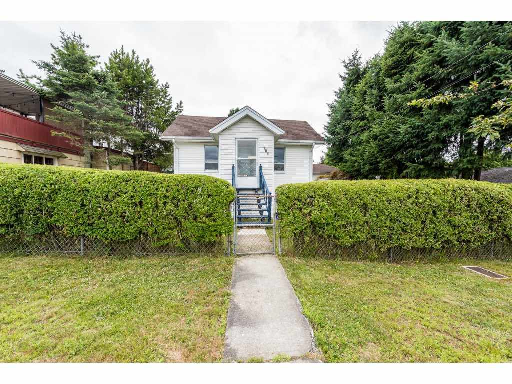 """Main Photo: 706 FIRST Street in New Westminster: GlenBrooke North House for sale in """"GLENBROOKE NORTH area"""" : MLS®# R2383279"""