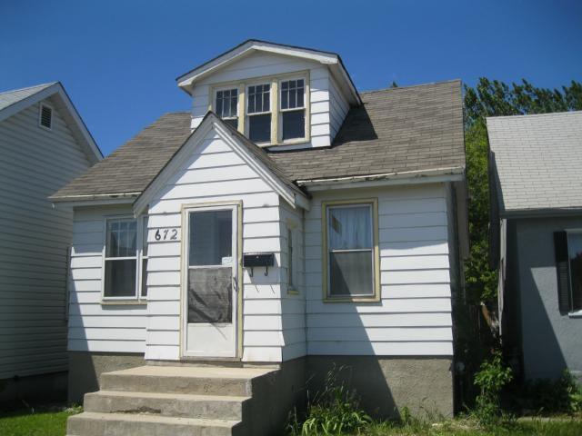 Main Photo: 672 MCPHILLIPS Street in WINNIPEG: Maples / Tyndall Park Residential for sale (North West Winnipeg)  : MLS®# 1111513