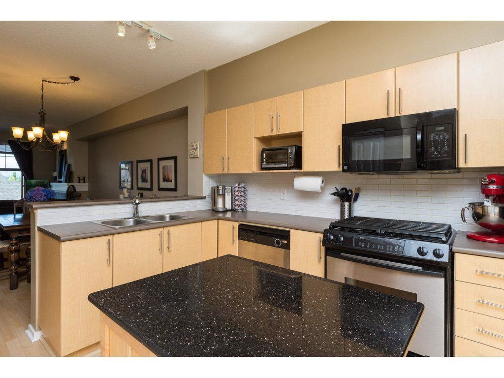"Photo 8: Photos: 119 15152 62A Avenue in Surrey: Sullivan Station Townhouse for sale in ""UPLANDS"" : MLS®# R2095709"