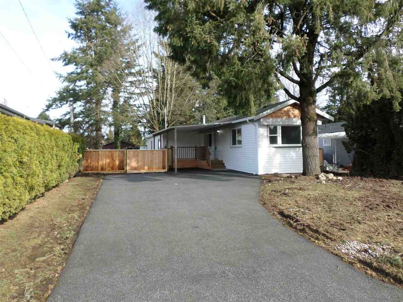 Main Photo: 31585 LOMBARD Avenue in Abbotsford: Poplar Manufactured Home for sale : MLS®# R2138943