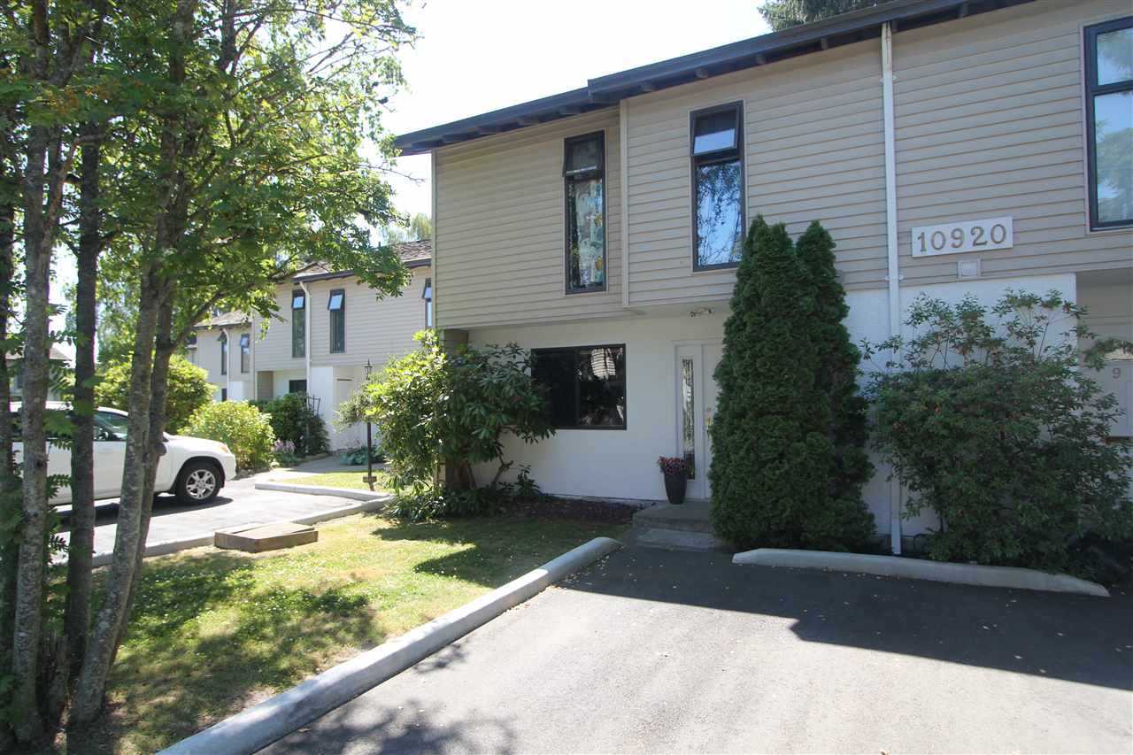 Main Photo: 10 10920 SPRINGMONT Drive in Richmond: Steveston North Townhouse for sale : MLS®# R2185096