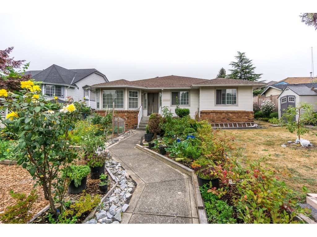 Main Photo: 17989 64 Avenue in Surrey: Cloverdale BC House for sale (Cloverdale)  : MLS®# R2201816