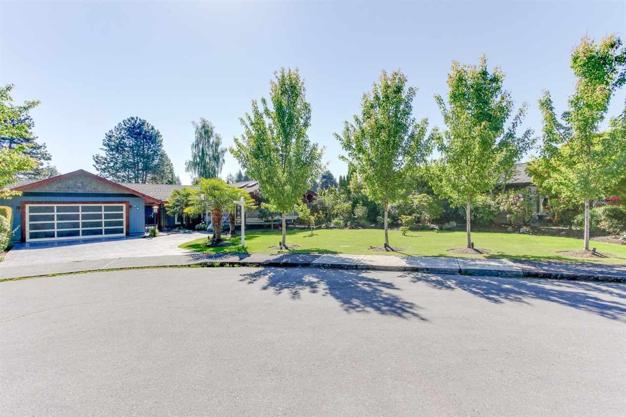 Main Photo: 74 DEERFIELD Place in Delta: Pebble Hill House for sale (Tsawwassen)  : MLS®# R2226014