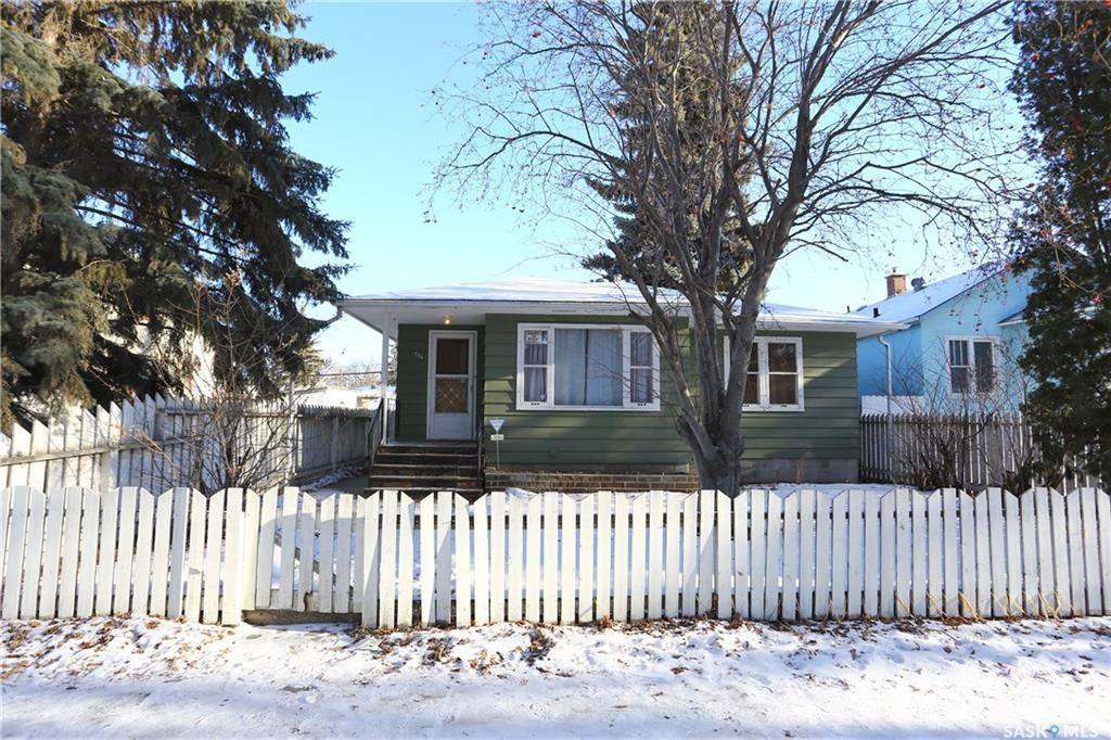 Main Photo: 716 J Avenue South in Saskatoon: King George Residential for sale : MLS®# SK715408