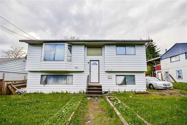 Main Photo: 9119 KING GEORGE Boulevard in Surrey: Bear Creek Green Timbers House for sale : MLS®# R2248175