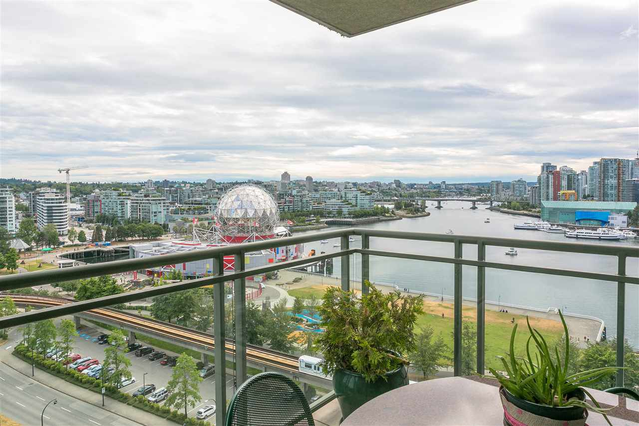 "Main Photo: 1501 1088 QUEBEC Street in Vancouver: Mount Pleasant VE Condo for sale in ""THE VICEROY"" (Vancouver East)  : MLS®# R2293774"