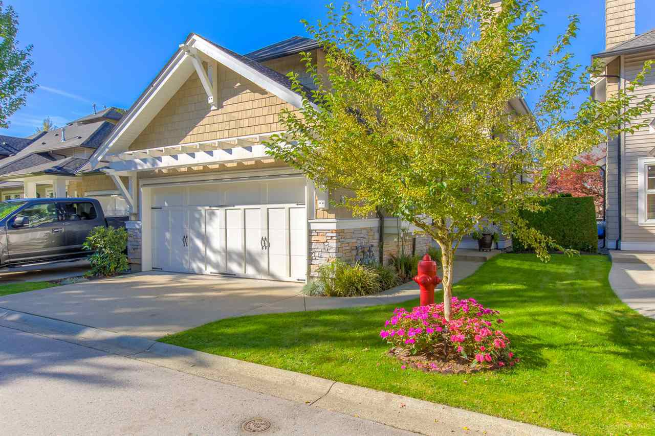 """Main Photo: 8 19452 FRASER Way in Pitt Meadows: South Meadows Townhouse for sale in """"SHORELINE"""" : MLS®# R2313594"""