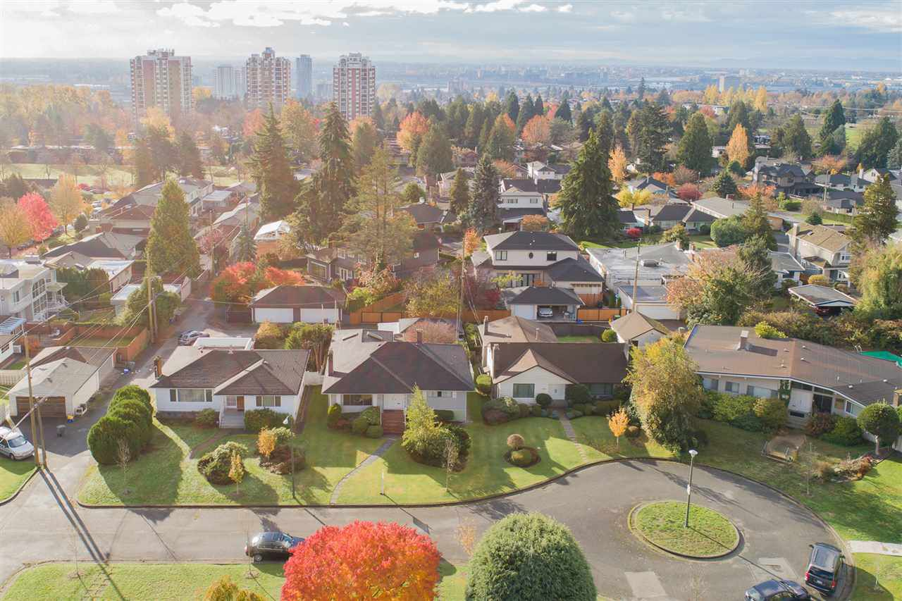 """Main Photo: 642 W 52ND Avenue in Vancouver: South Cambie House for sale in """"LANGARA"""" (Vancouver West)  : MLS®# R2336682"""