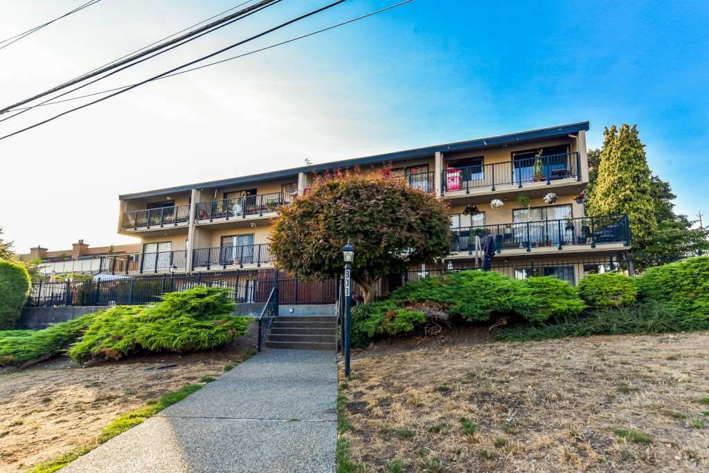 Main Photo: 308 803 QUEENS Avenue in New Westminster: Uptown NW Condo for sale : MLS®# R2352292