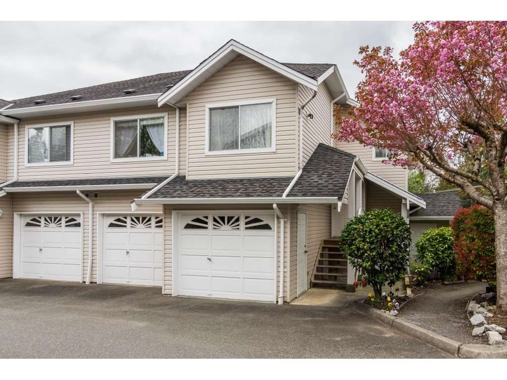 "Main Photo: 27 11588 232ND Street in Maple Ridge: Cottonwood MR Townhouse for sale in ""Cottonwood Village"" : MLS®# R2358945"
