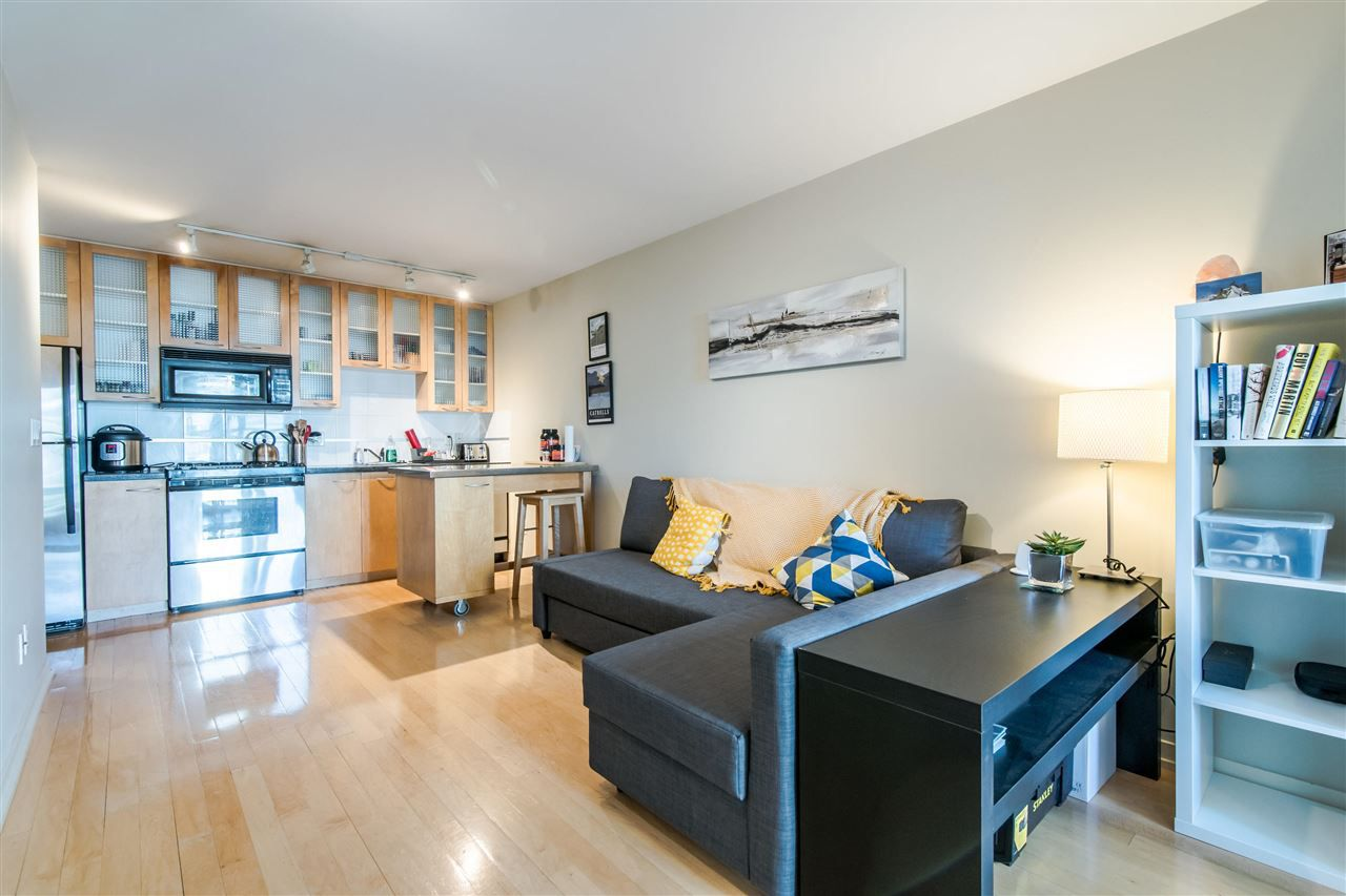 """Main Photo: 1205 969 RICHARDS Street in Vancouver: Downtown VW Condo for sale in """"MONDRIAN II"""" (Vancouver West)  : MLS®# R2362249"""