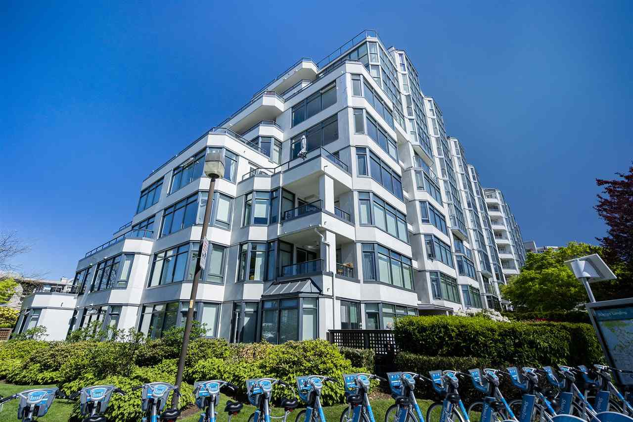 "Main Photo: 115 456 MOBERLY Road in Vancouver: False Creek Condo for sale in ""Pacific Cove"" (Vancouver West)  : MLS®# R2370083"