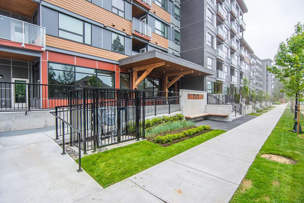 "Main Photo: 111 717 BRESLAY Street in Coquitlam: Coquitlam West Condo for sale in ""SIMON"" : MLS®# R2370658"