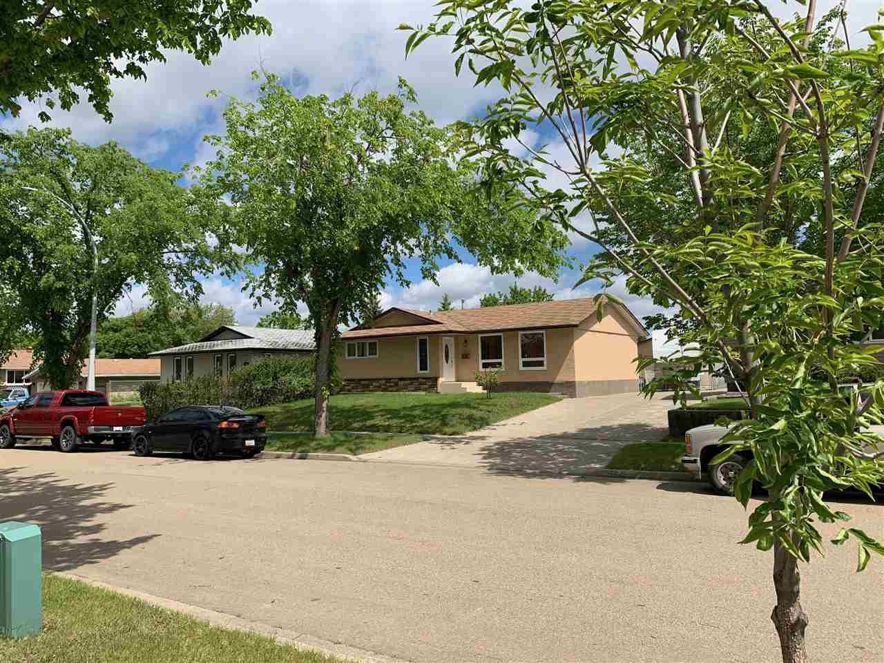 Main Photo: 9525 88 Street: Fort Saskatchewan House for sale : MLS®# E4160974