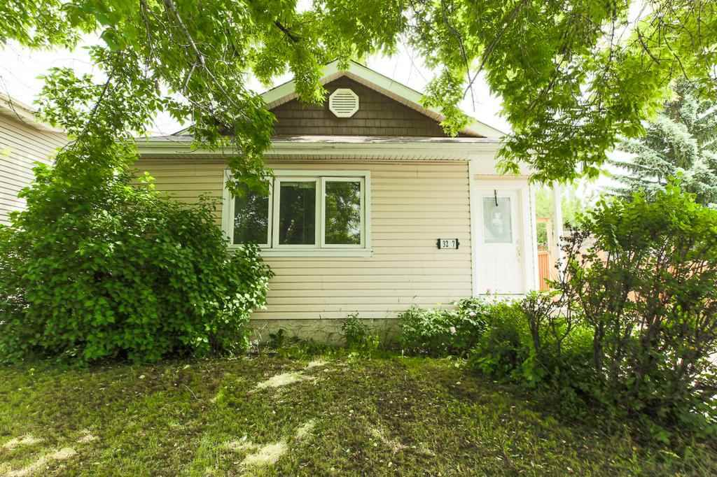 Main Photo: 3207 47 Street in Edmonton: Zone 29 House for sale : MLS®# E4163307