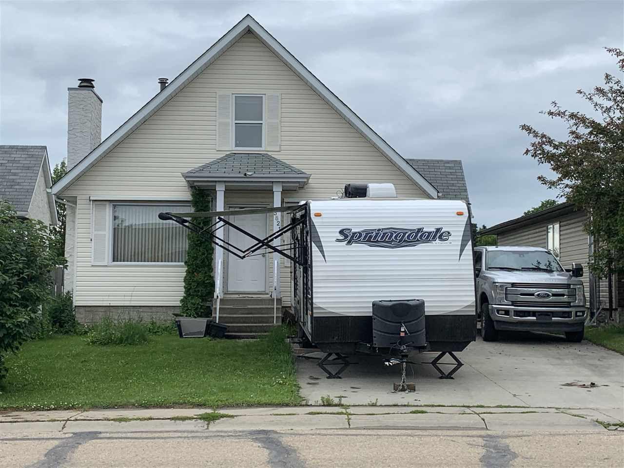 Main Photo: 5821 55 Street: Barrhead House for sale : MLS®# E4165178