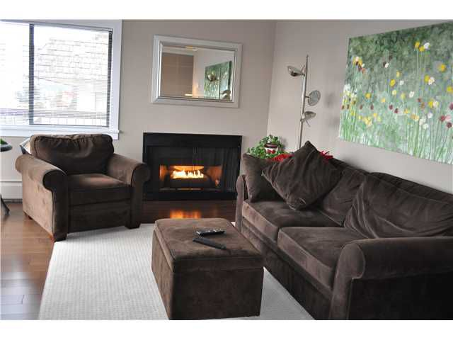"""Main Photo: 307 175 E 5TH Street in North Vancouver: Lower Lonsdale Condo for sale in """"WELLINGTON MANOR"""" : MLS®# V870783"""