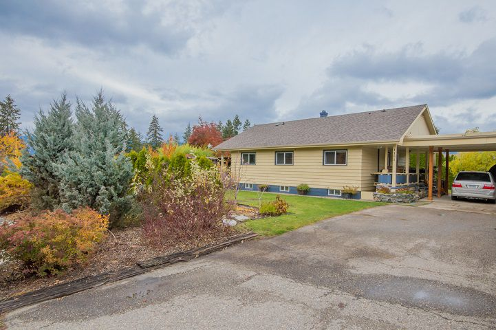 Main Photo: 1101 SE 7 Avenue in Salmon Arm: Southeast House for sale : MLS®# 10171518