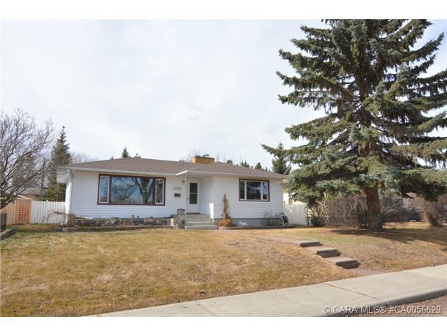 Main Photo: 4018 42 Avenue in Red Deer: RR Grandview Residential for sale : MLS®# CA0056629