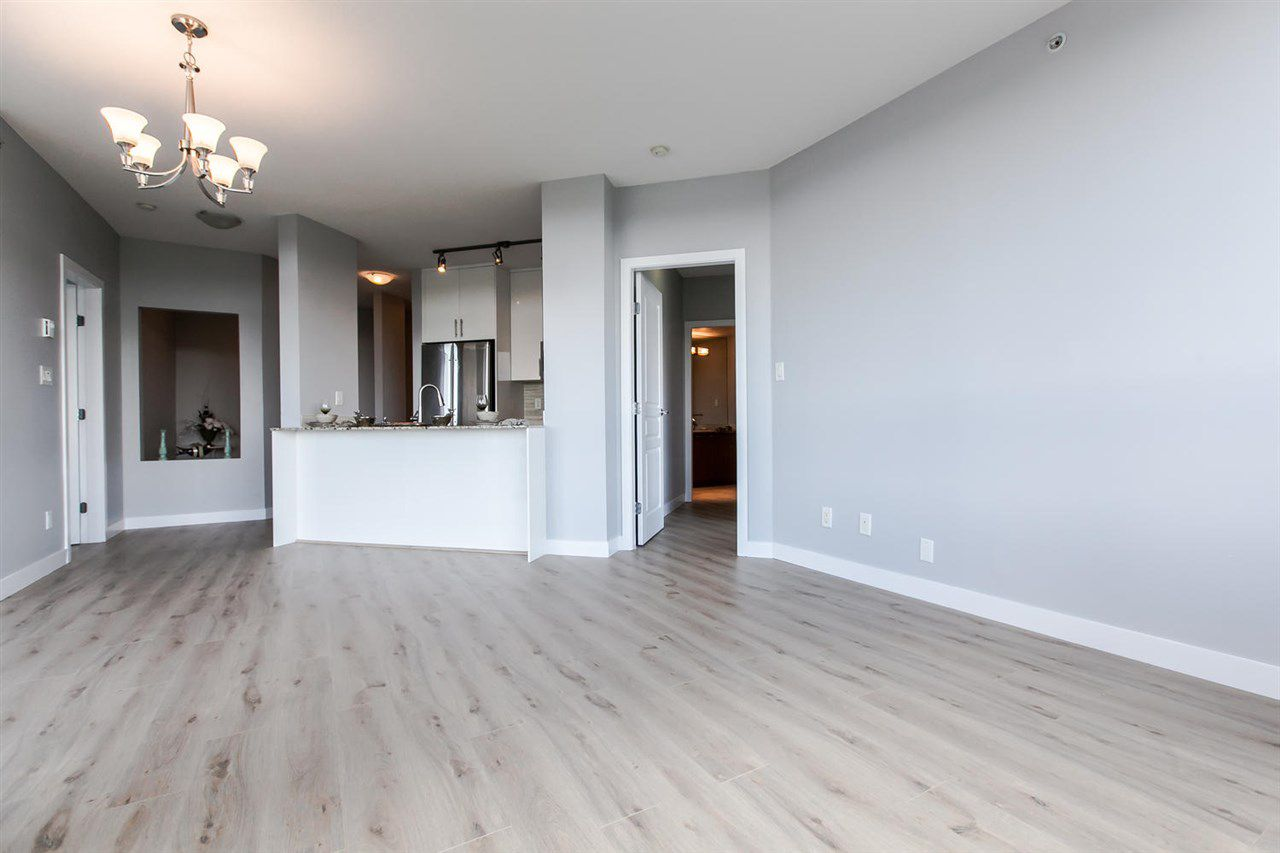 Spacious Living& Dining, good size Den and brand new kitchen.